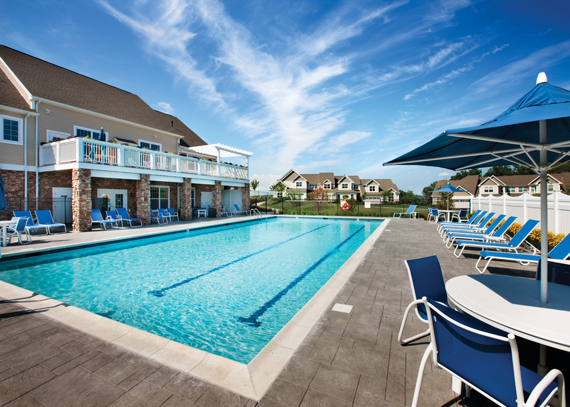 Swimming pool, sundeck, tennis court and bocce court