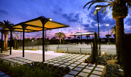 With 7 Har-Tru tennis courts and one exhibition court, tennis is an integral part of the recreational activity and sports focus at Parkland