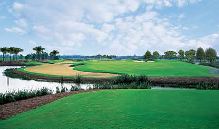 18-Hole Greg Norman Signature Golf Course