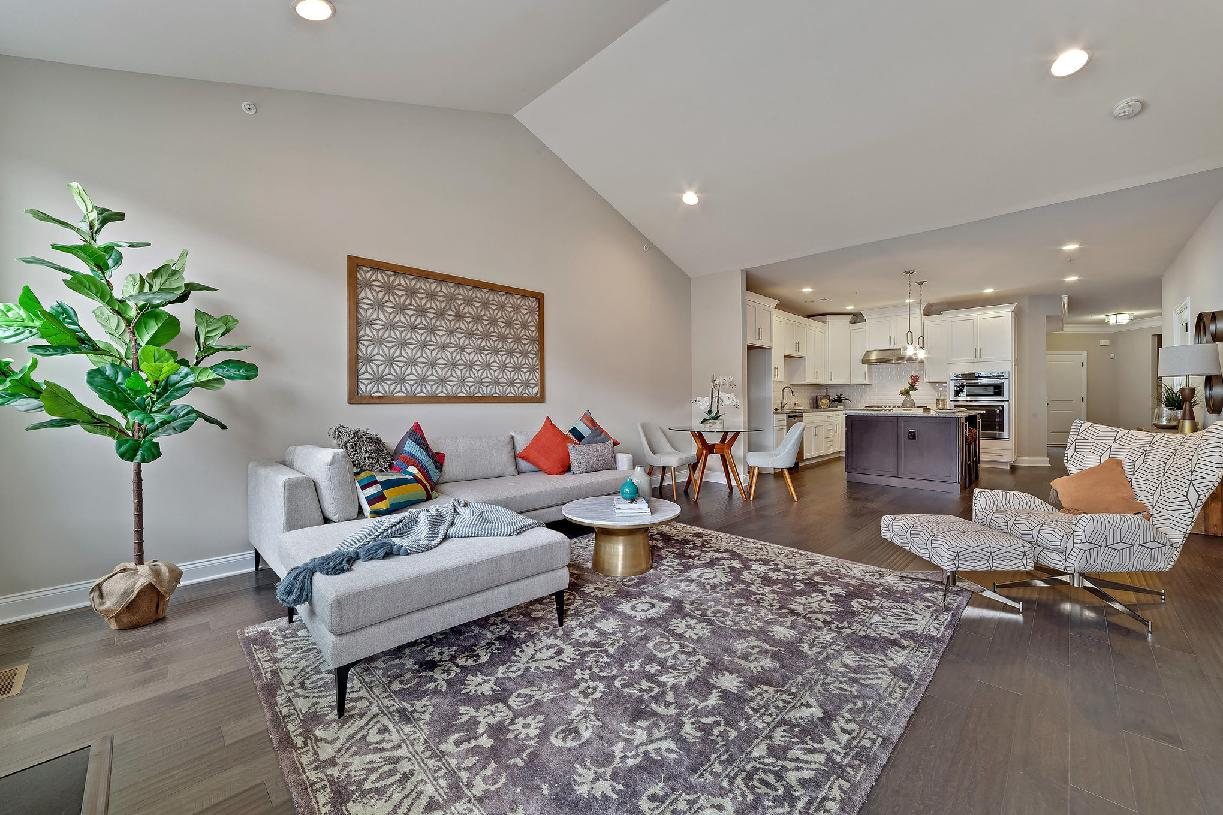 Open concept floor plan great for casual living and entertaining