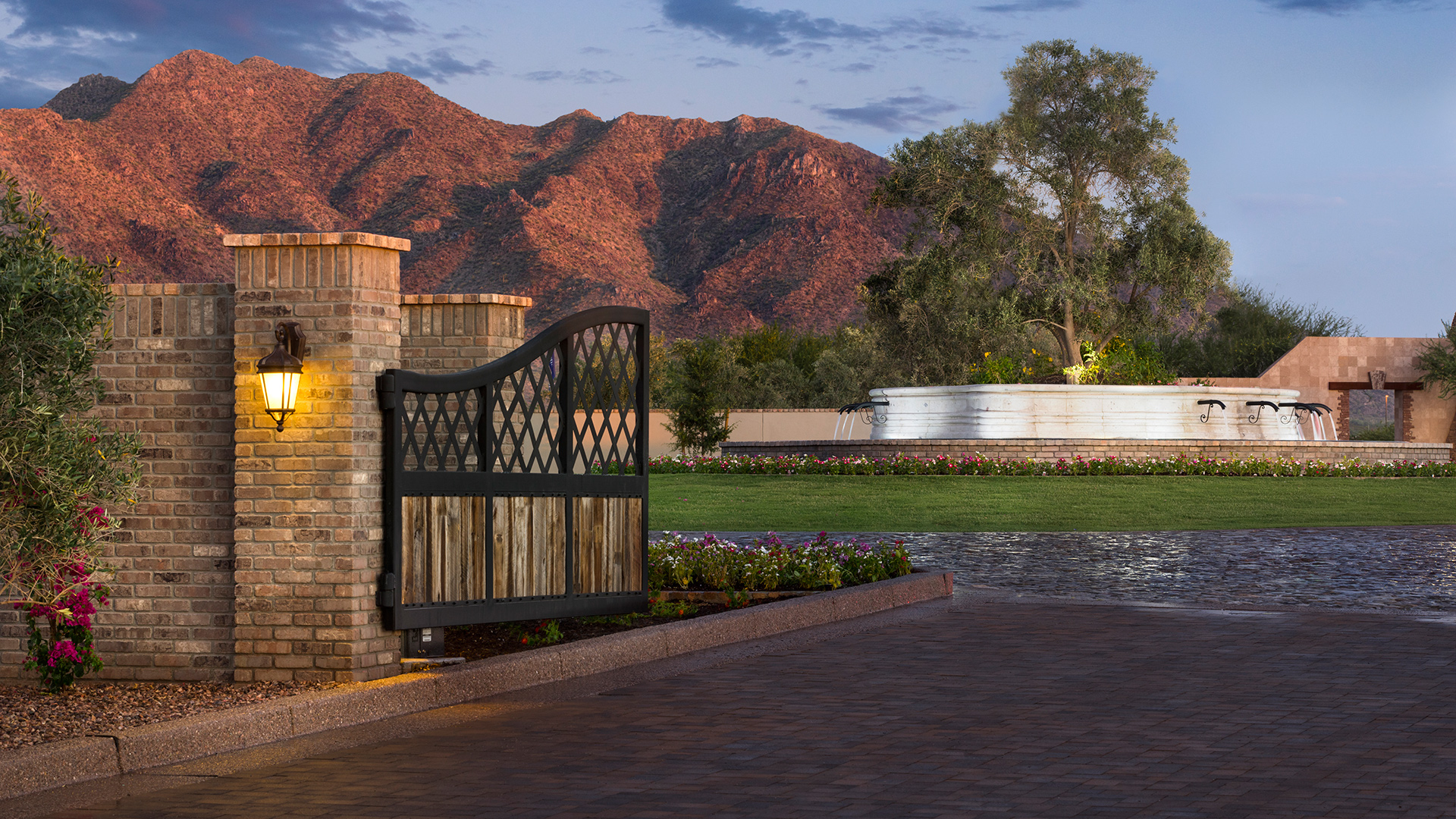 With the private gated entrance and SanTan Mountain backdrop, coming home to Calliandra Estates is a daily delight.