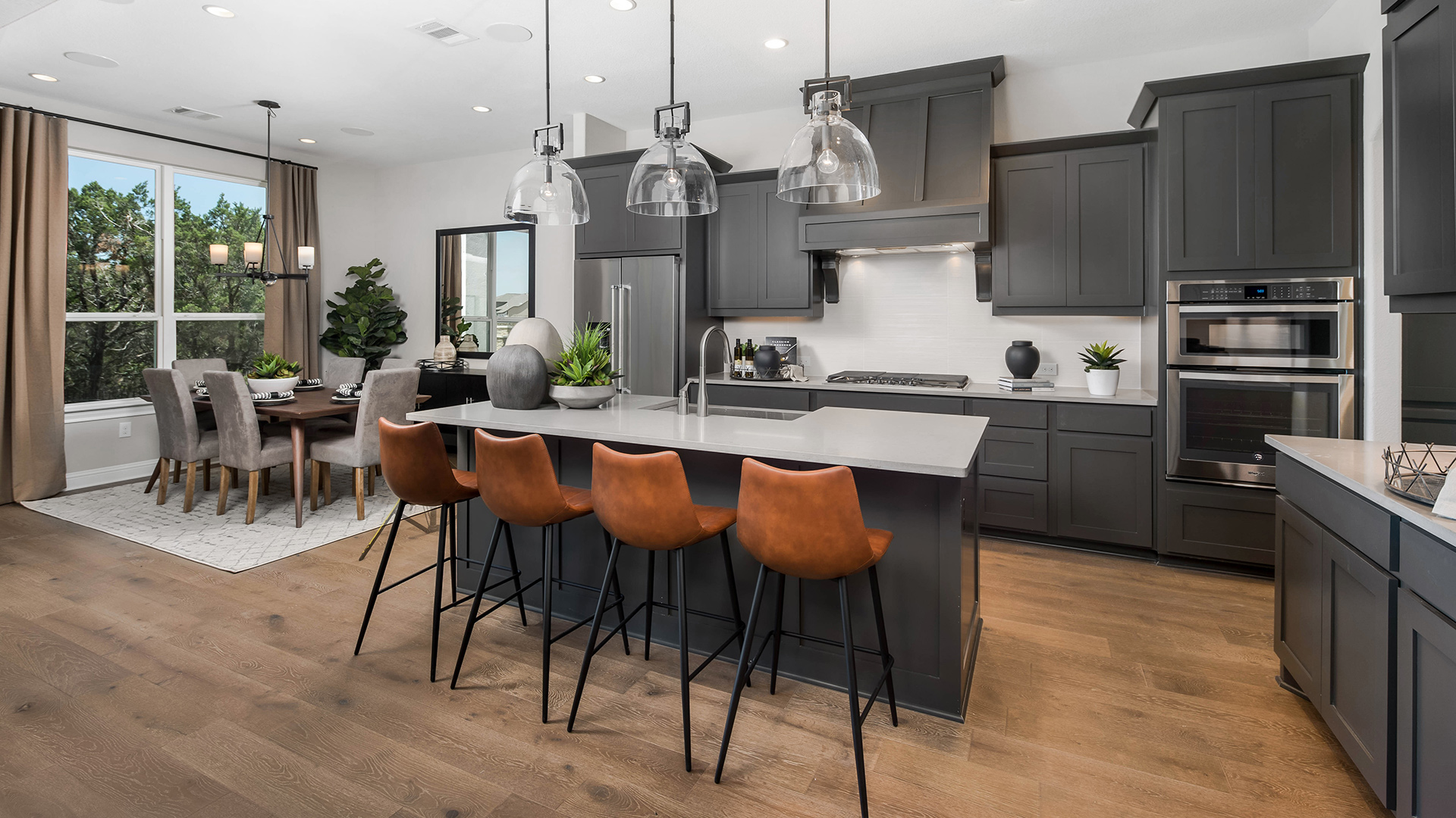 Gourmet Artisan kitchen with casual dining area