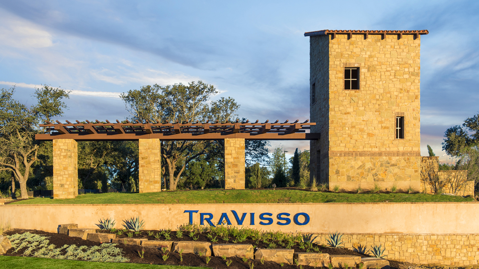 Travisso - Main Entrance