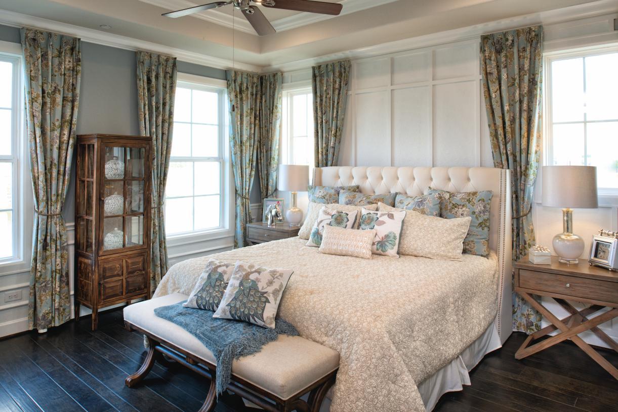 Aston serene primary bedroom