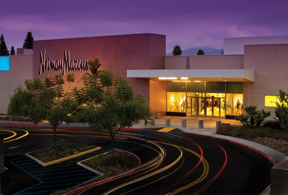 Porter Ranch is surrounded by a variety of shopping options from the community Porter Ranch Town Center to the world-famous Topanga Mall