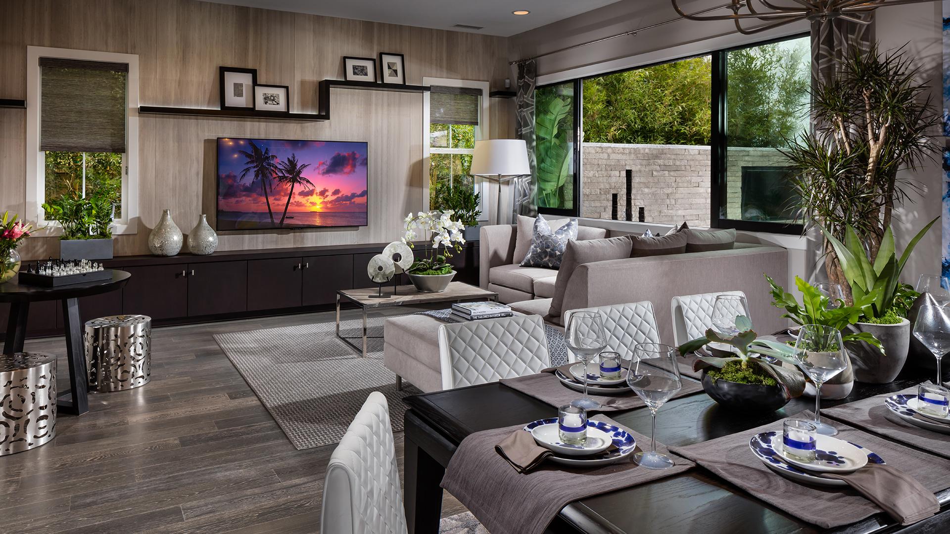 The Spacious Mendocino Family Room