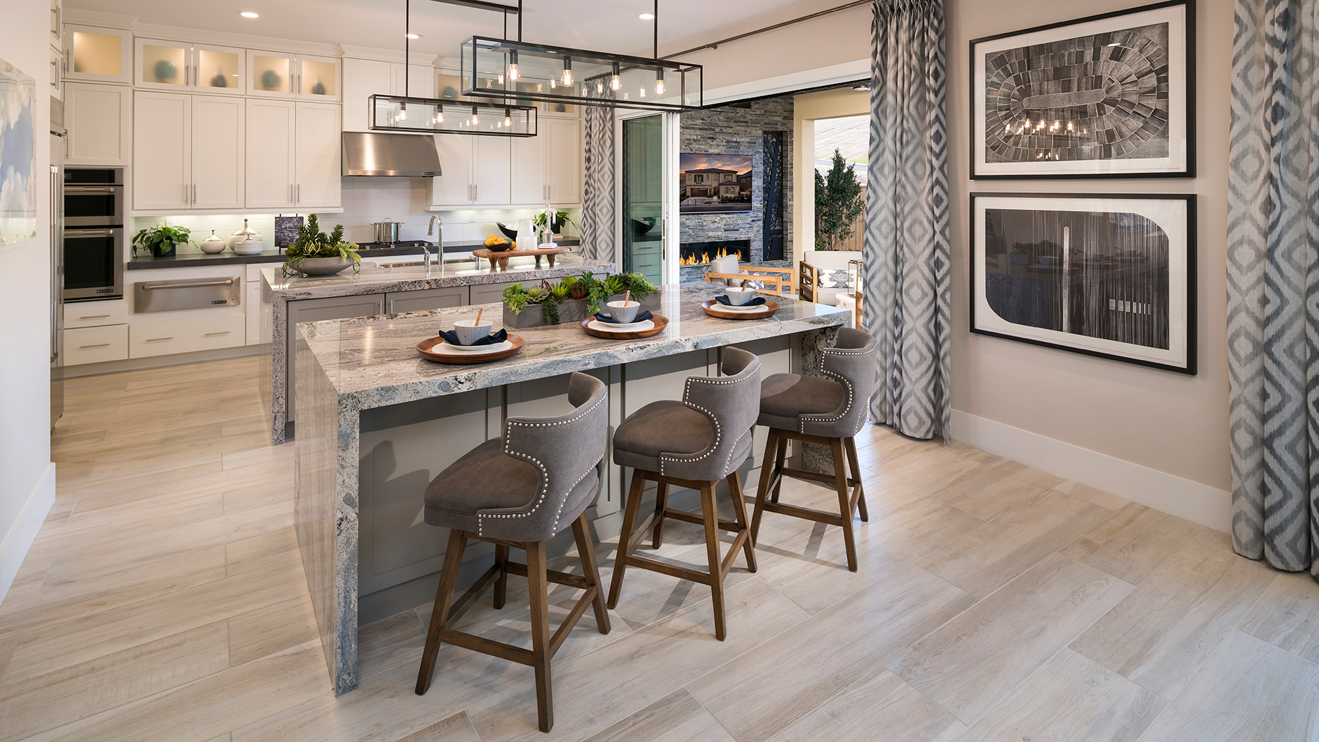 The Bluffs at Tassajara Hills offers the largest home designs within the master plan community and feature expansive home sites, stunning views.
