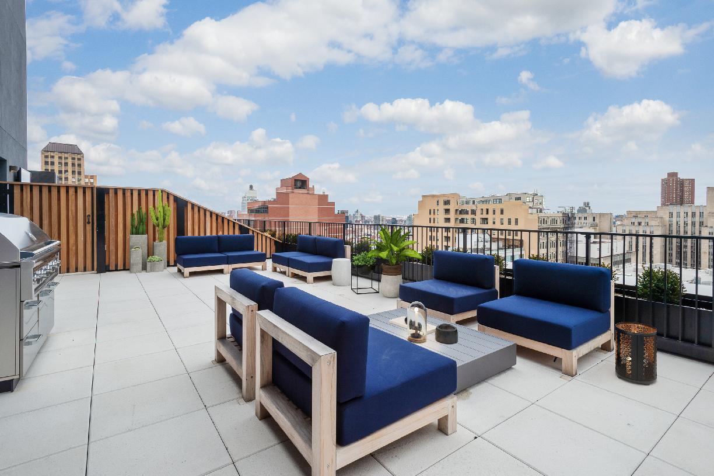 Penthouse private terrace