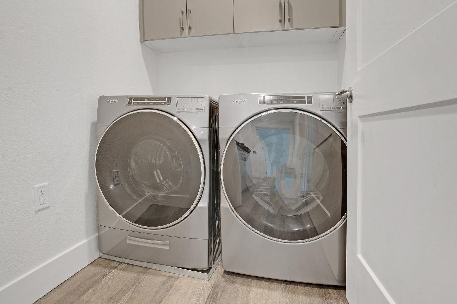 Whirlpool Washer &Dryer included