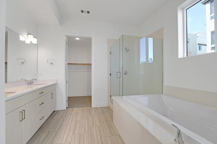 Elegant primary bathroom