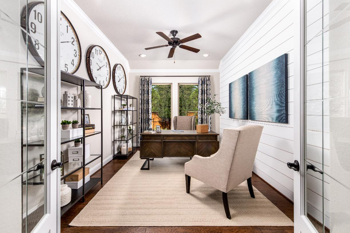 The Draper's office is versatile and ideal for a home-office