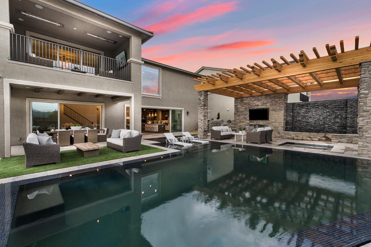 Portillo backyard and pool