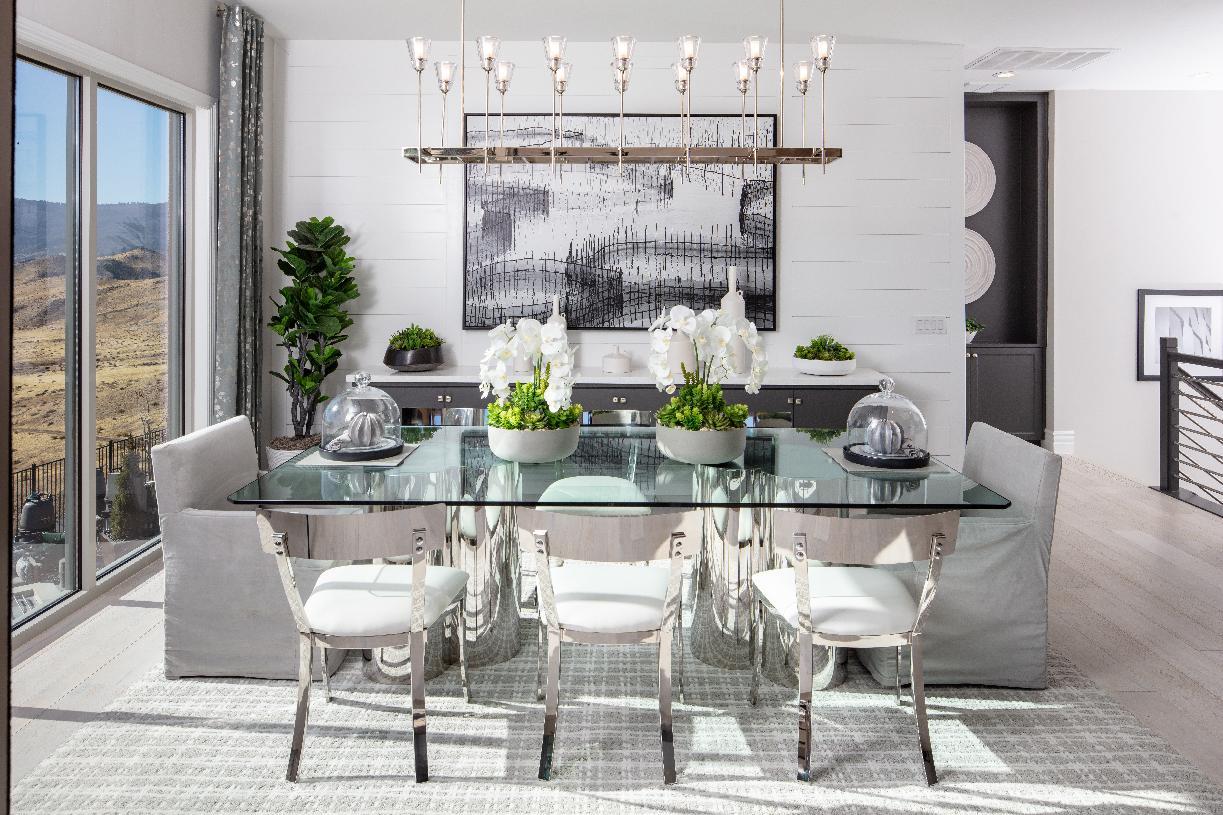Montrose Elite dining room