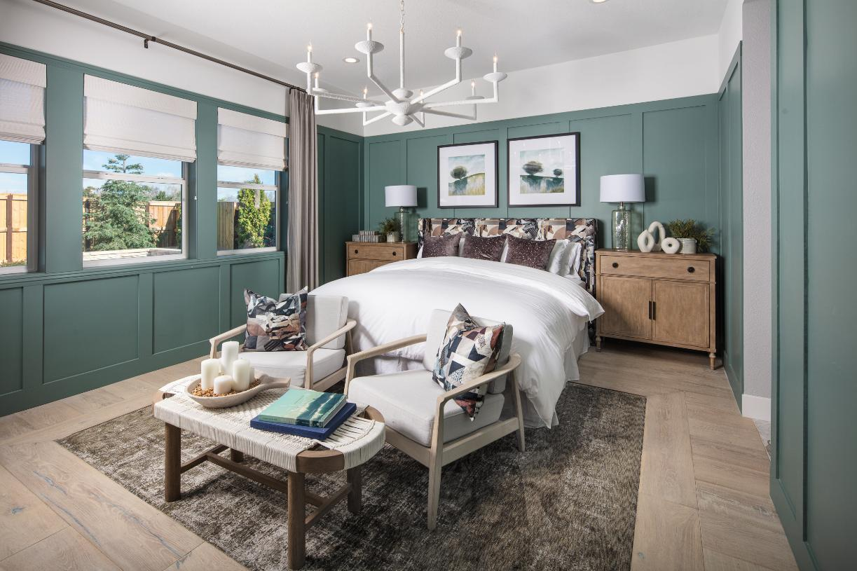 De Anza primary bedroom