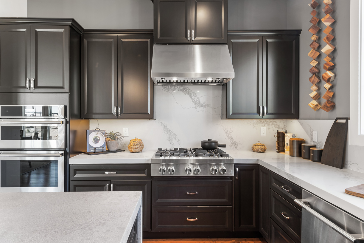 Well-appointed kitchen for the best home-cooked meals
