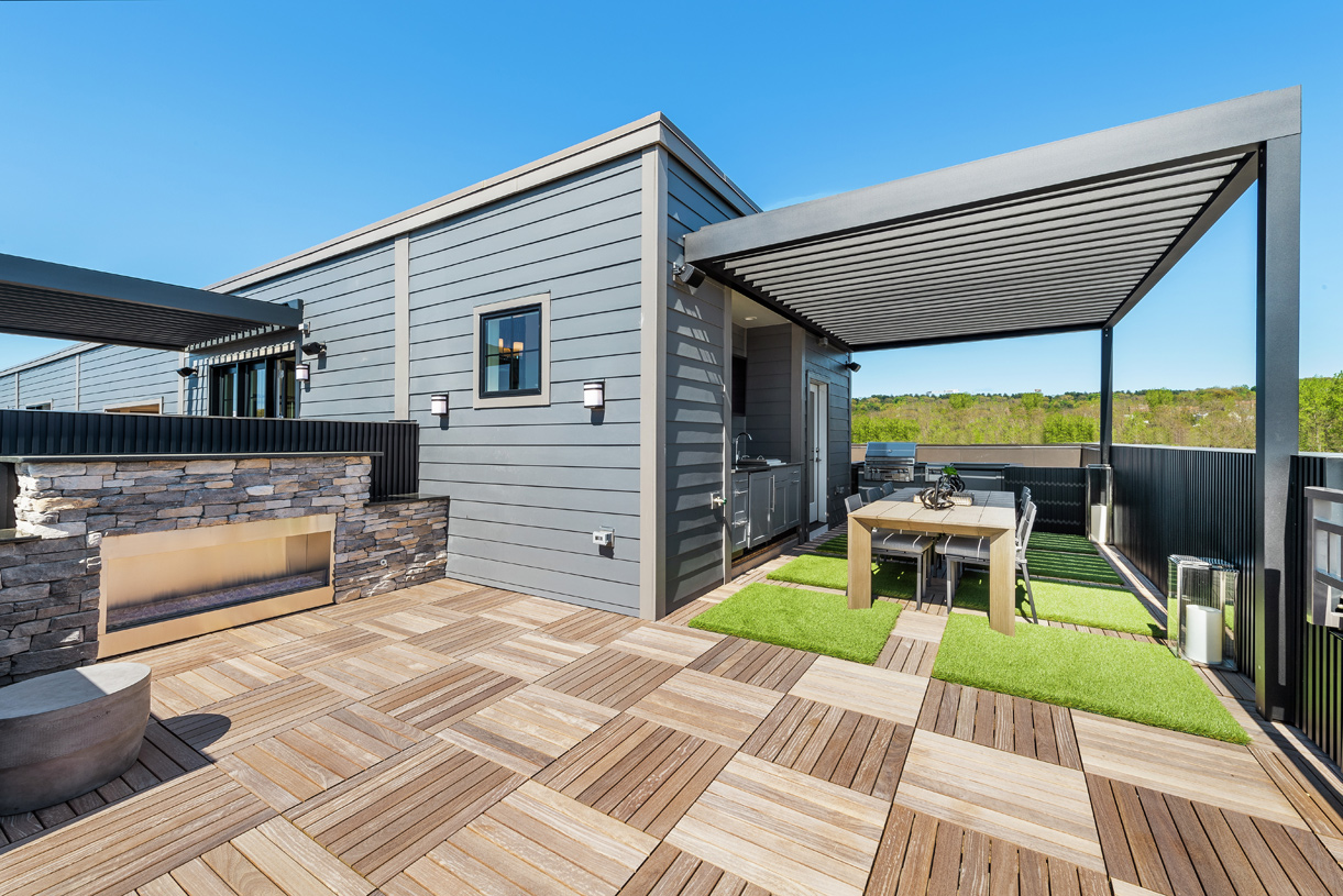 Outdoor living on your rooftop deck