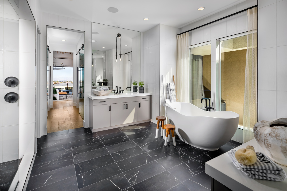 Deluxe primary bath with large soaking tub