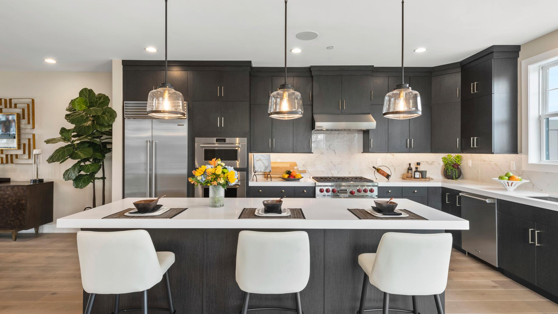 Large kitchens with top brand name Included features