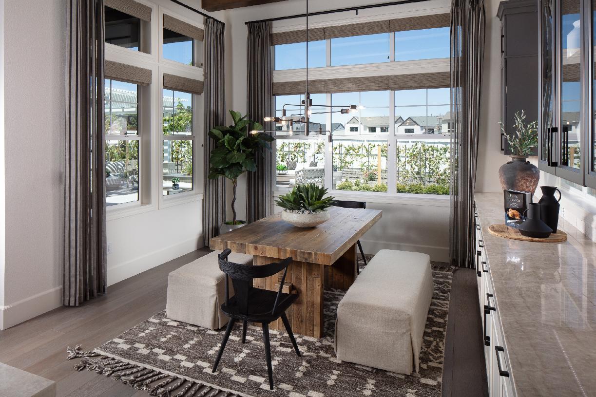 Allure dining room