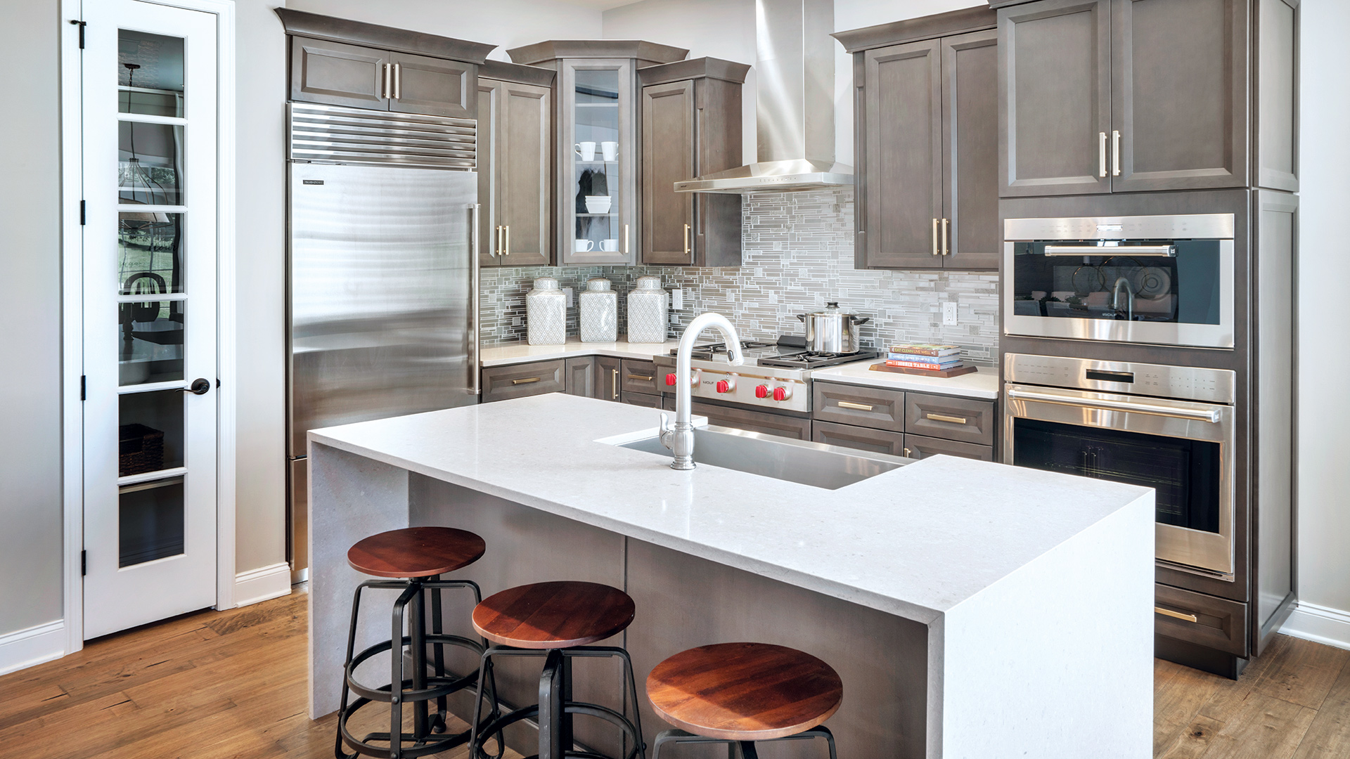 Well-Appointed Kitchen with Center Island