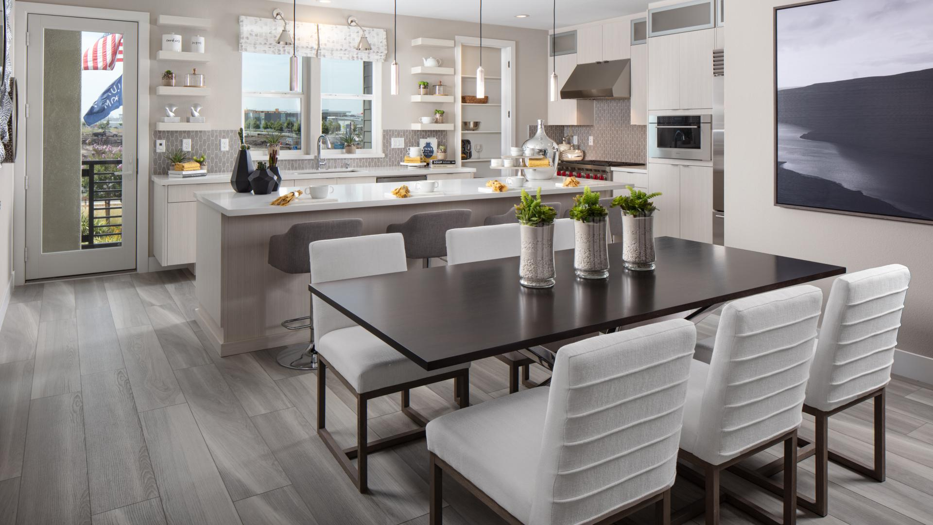 Spacious kitchen and casual dining area perfect for entertaining