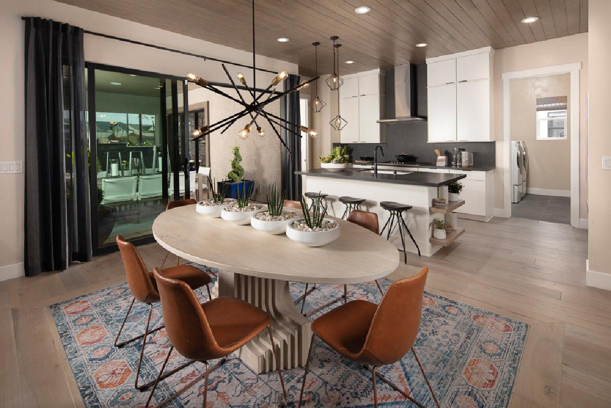 Cambria Elite dining room and gourmet kitchen