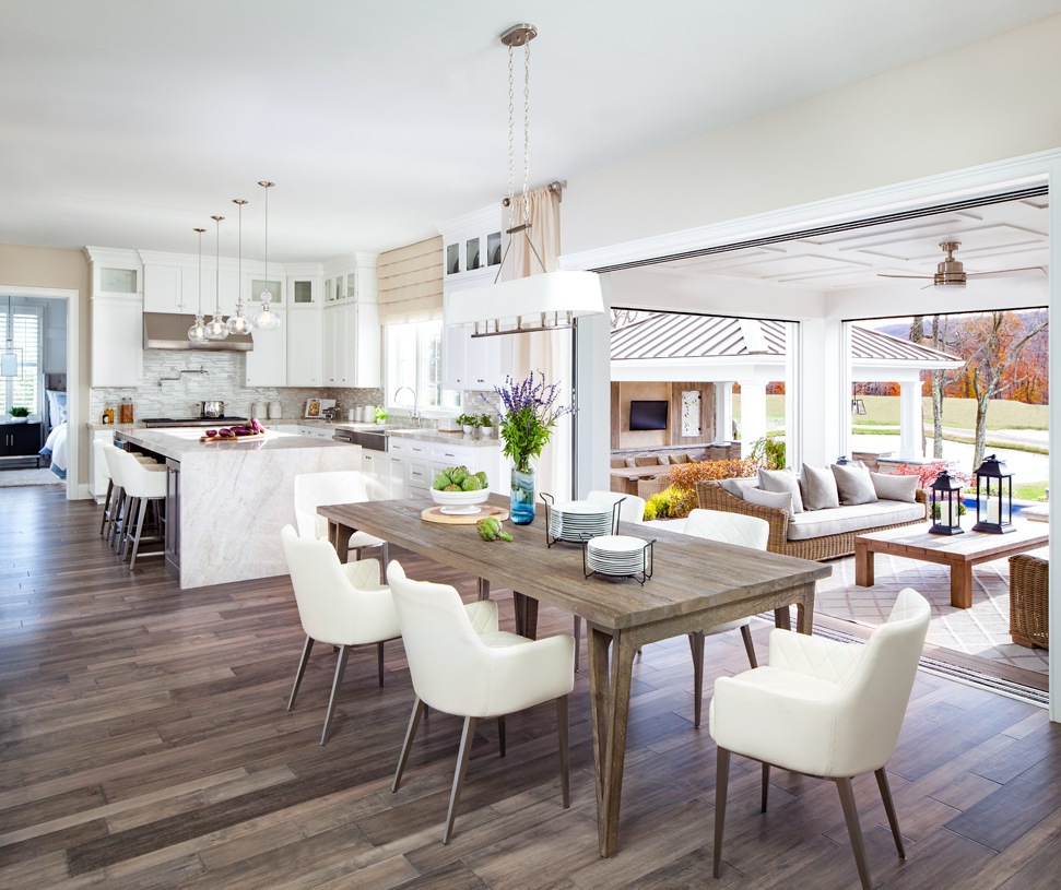 Large open kitchens with luxury indoor/outdoor living features