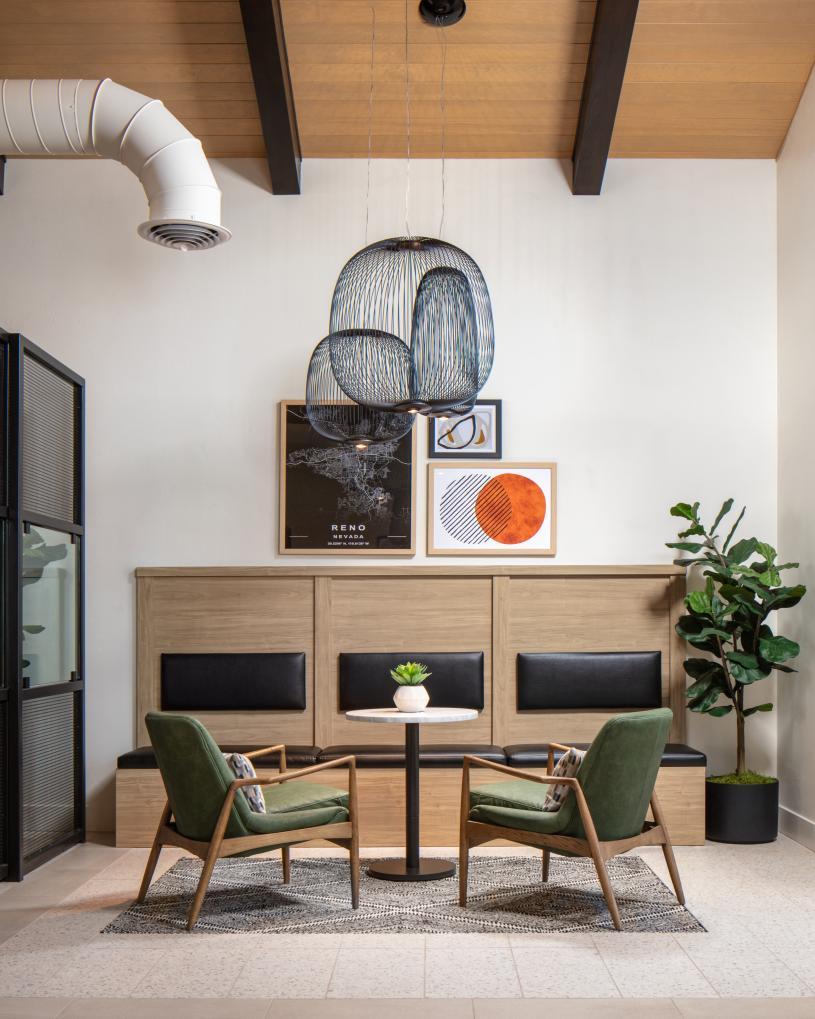 Enjoy workspace with hi-speed connectivity