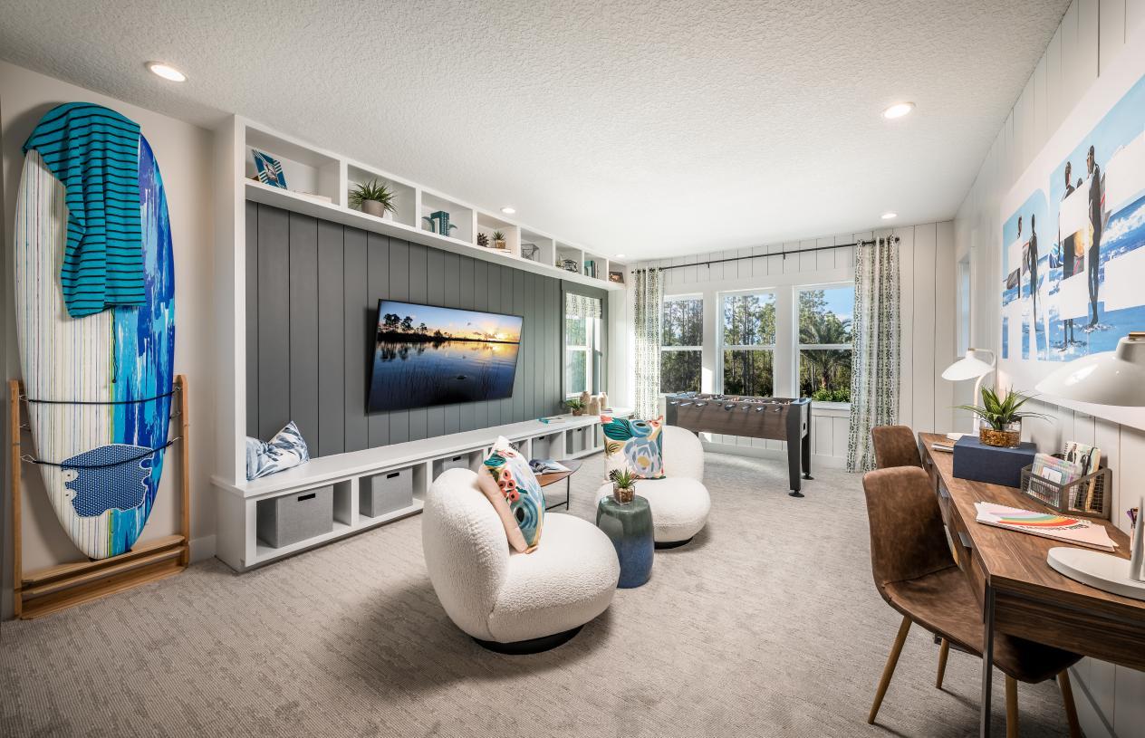 Multi-purpose space with closet