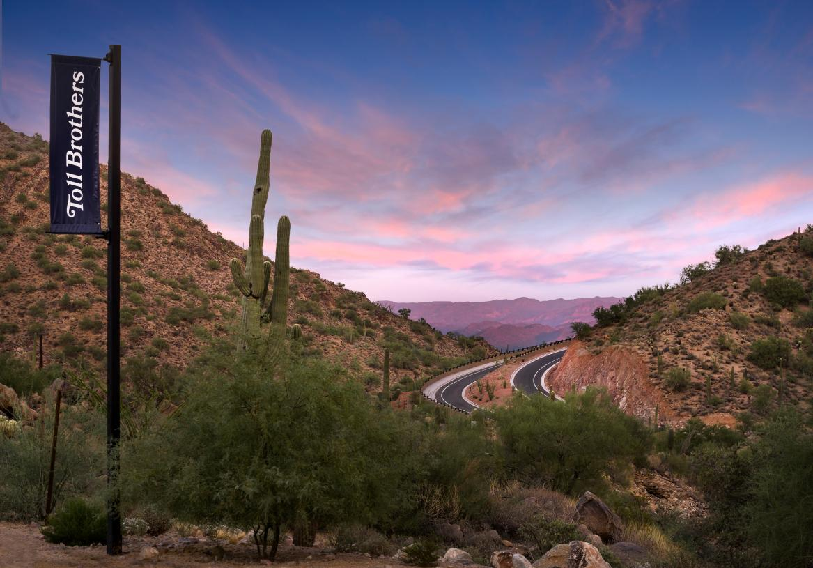 Spectacular canyon views with direct access to trail heads