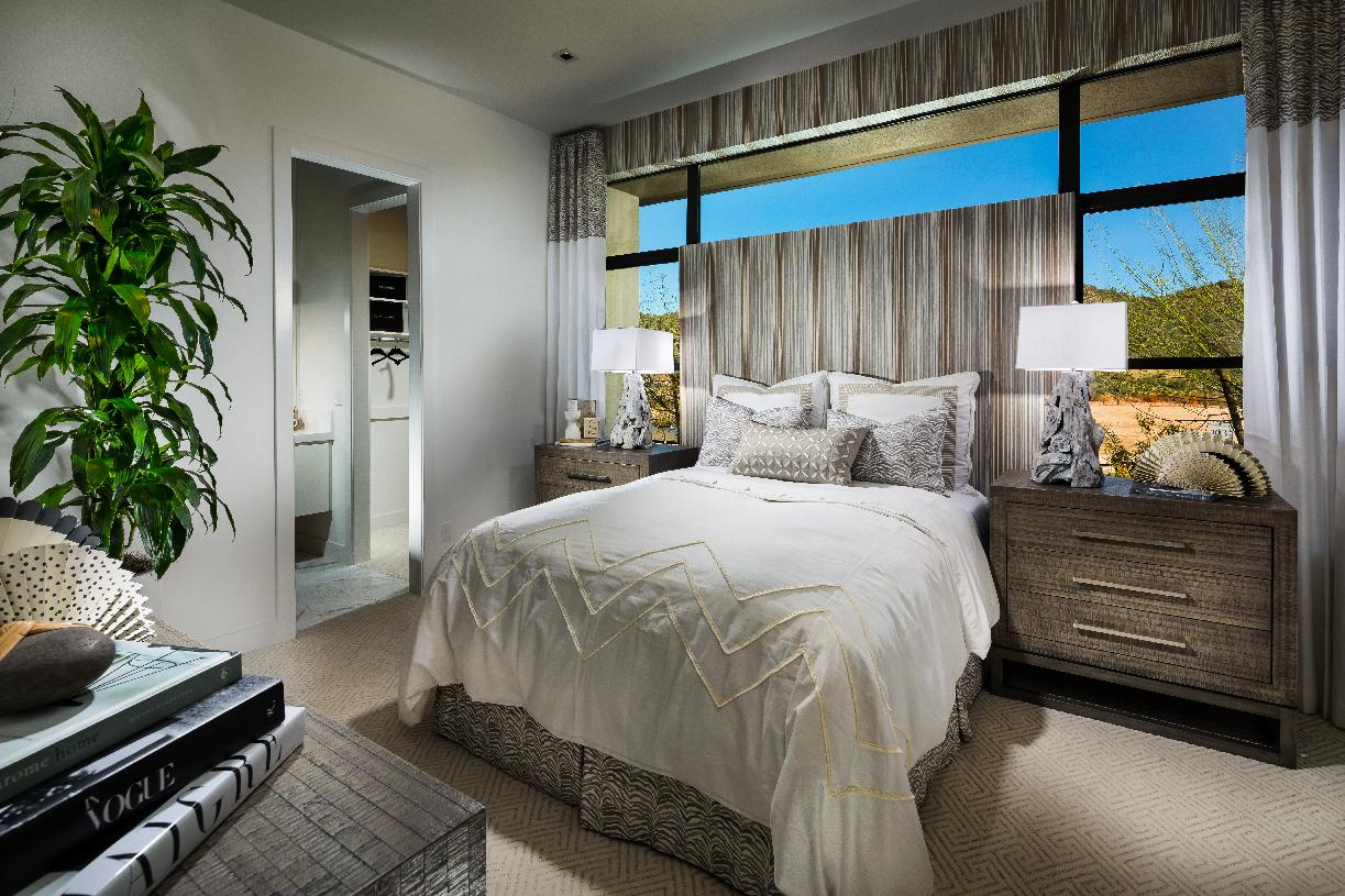 Large secondary bedroom with private bathroom and walk-in closet