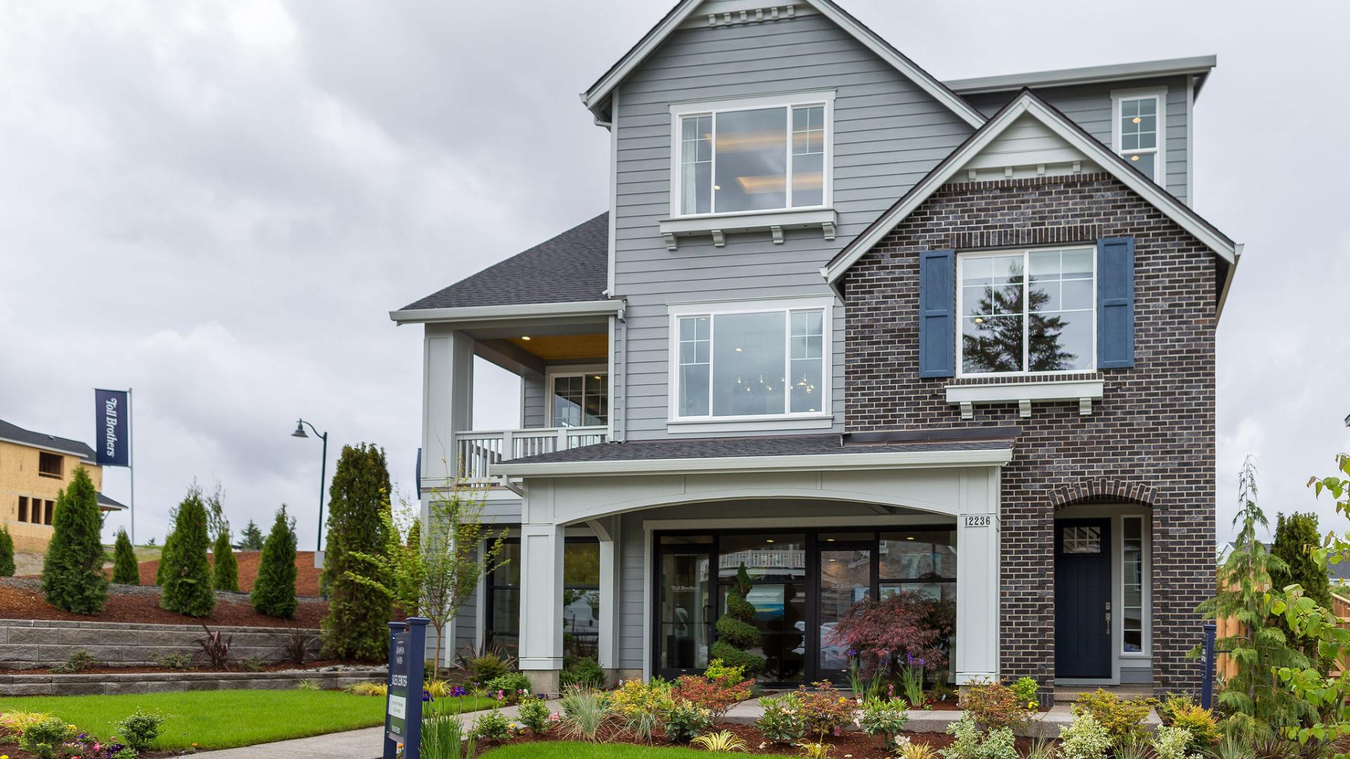 Eugene Traditional exterior view