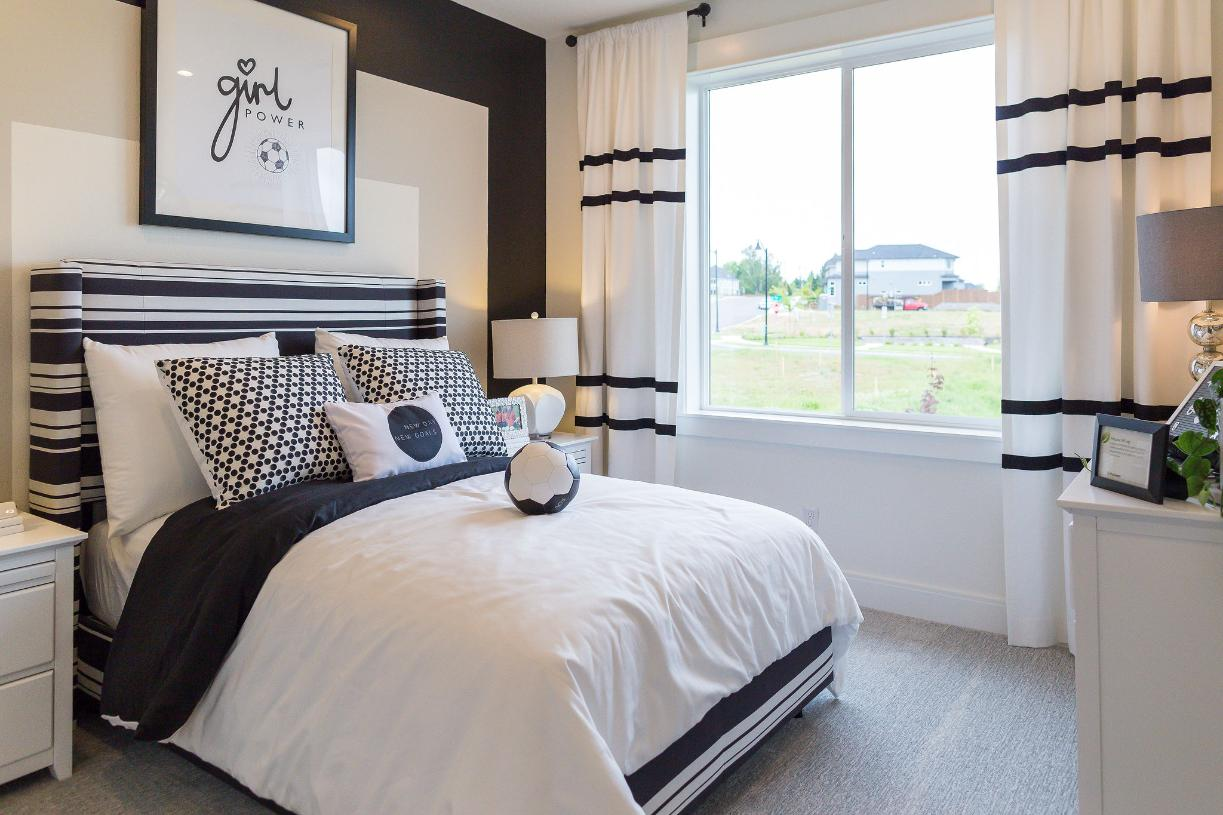 Secondary bedroom with soccer theme