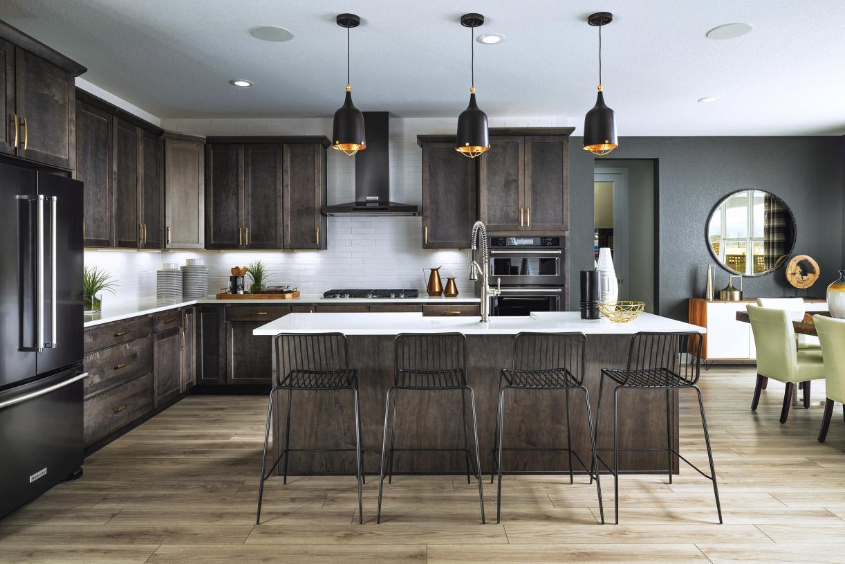 Eldorado kitchen with oversized island