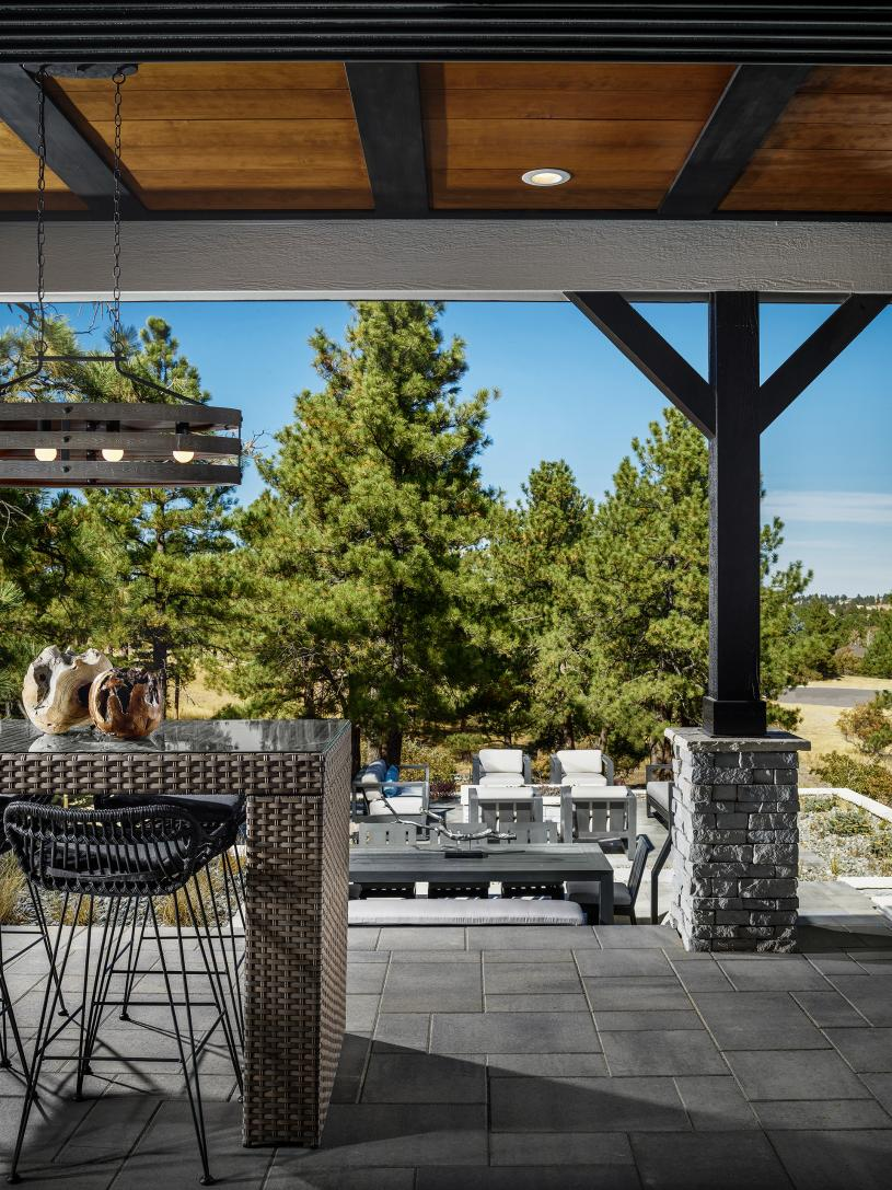 Crestone covered patio with seating