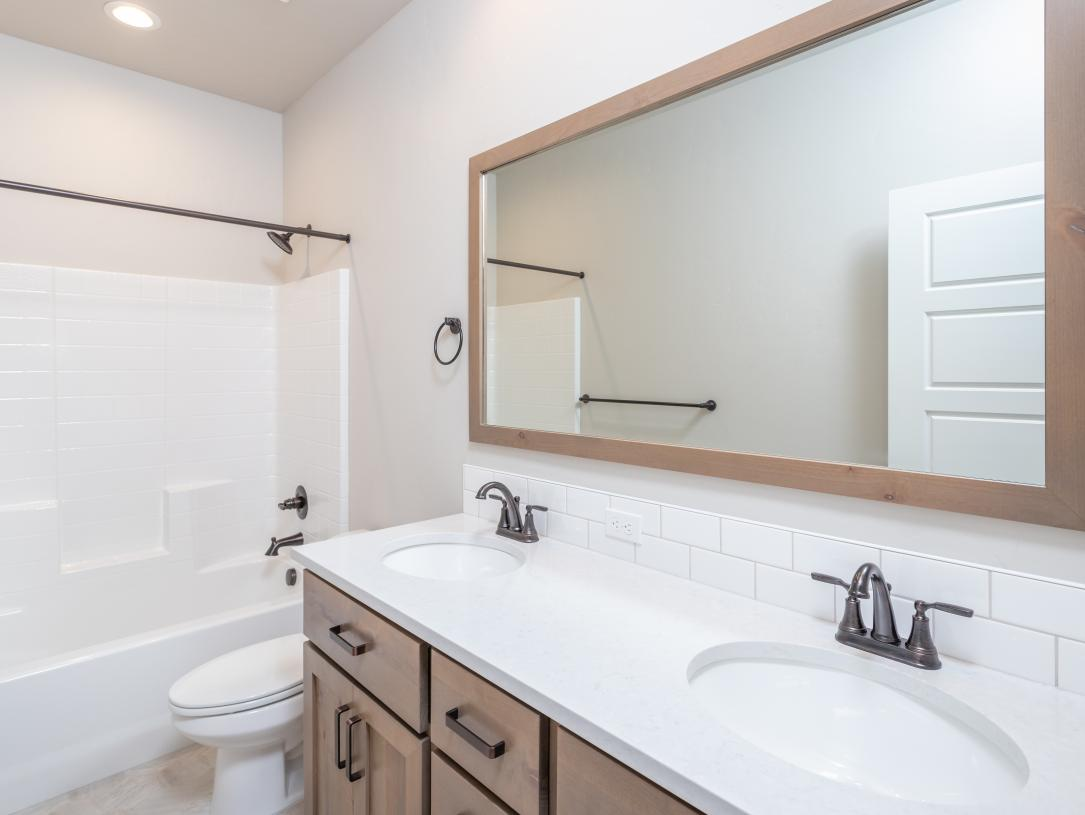 Secondary bath with double sinks