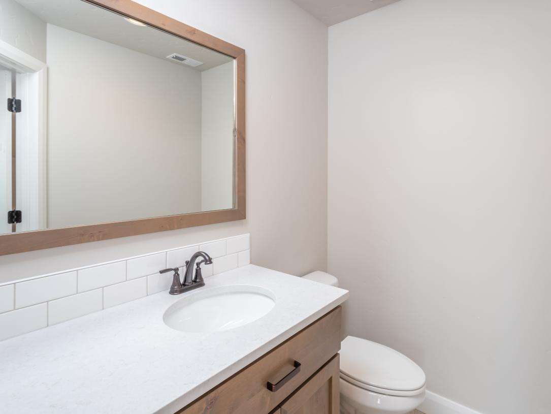 Upper flex room powder bath