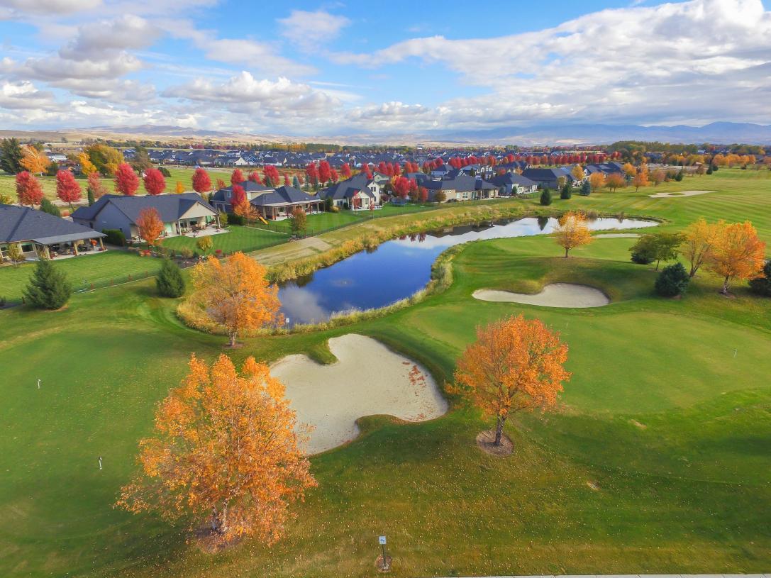 Private 3-hole golf course