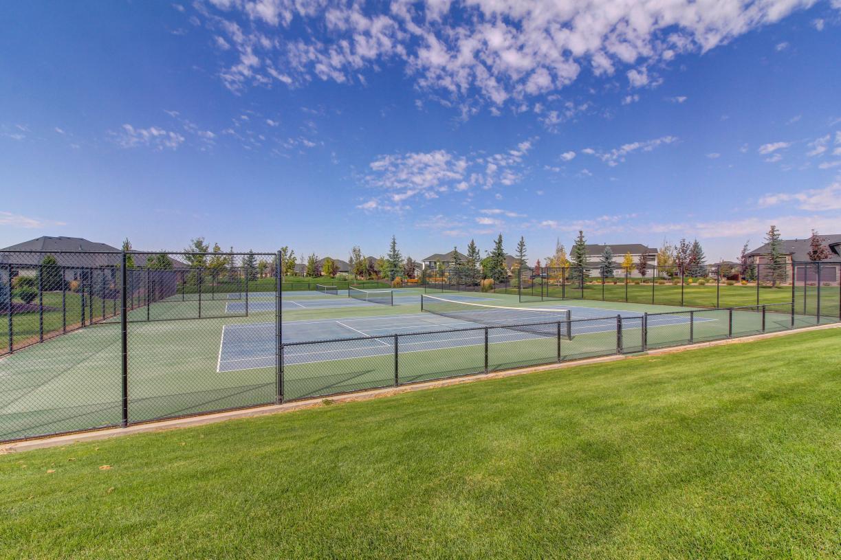 3 private tennis courts
