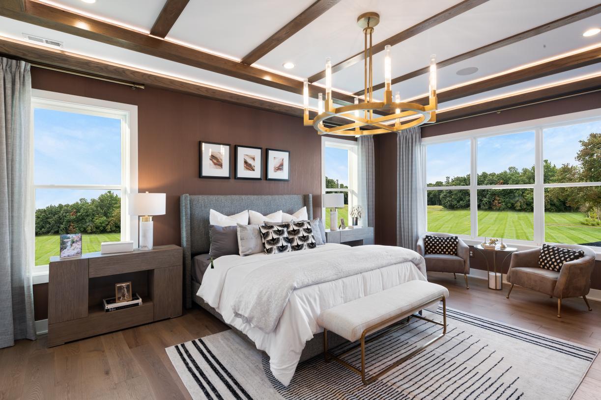 Grand primary bedroom suite