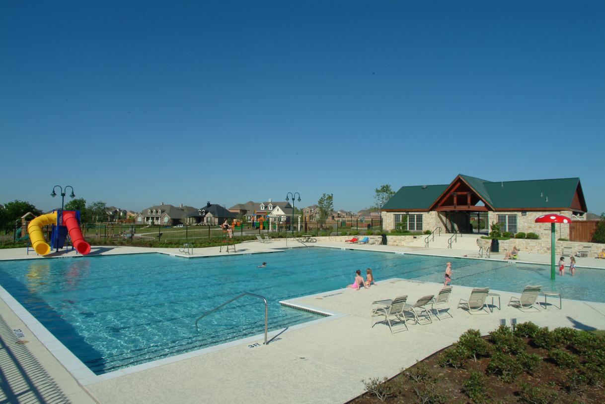Resident-exclusive Sword Bridge swimming pool