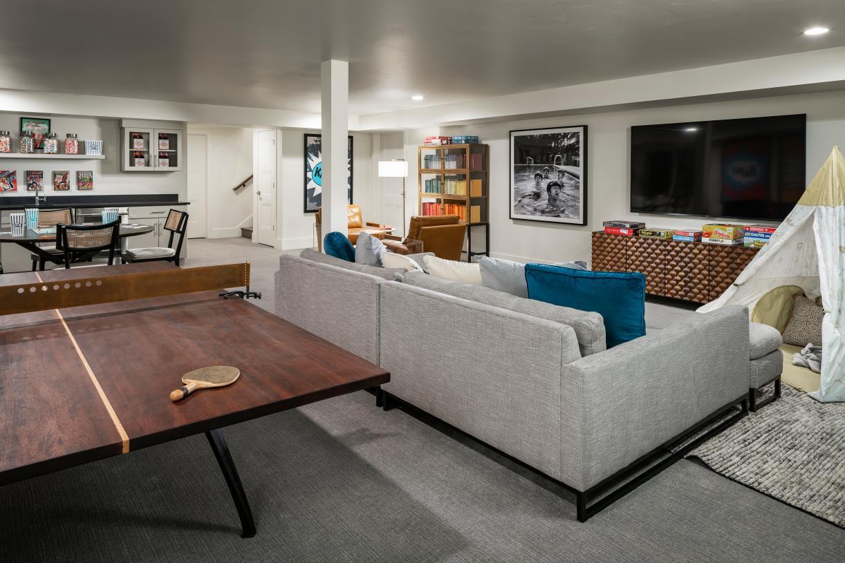 Versatile basement with kitchenette