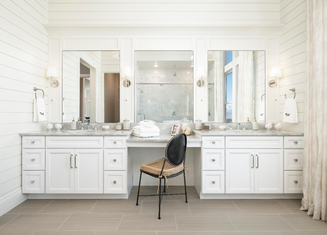 Large vanity space in primary bathroom