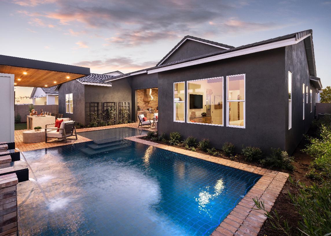 Beautiful backyard with pool