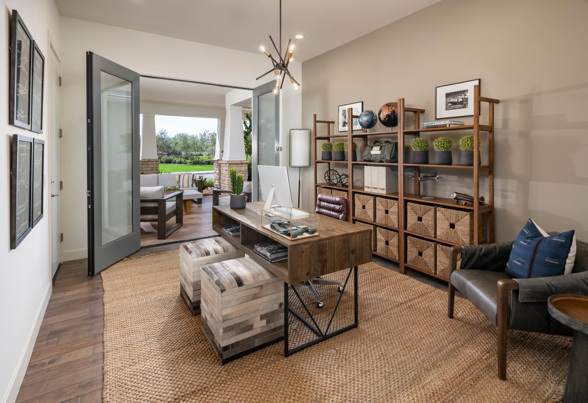 Versatile study with direct outdoor access