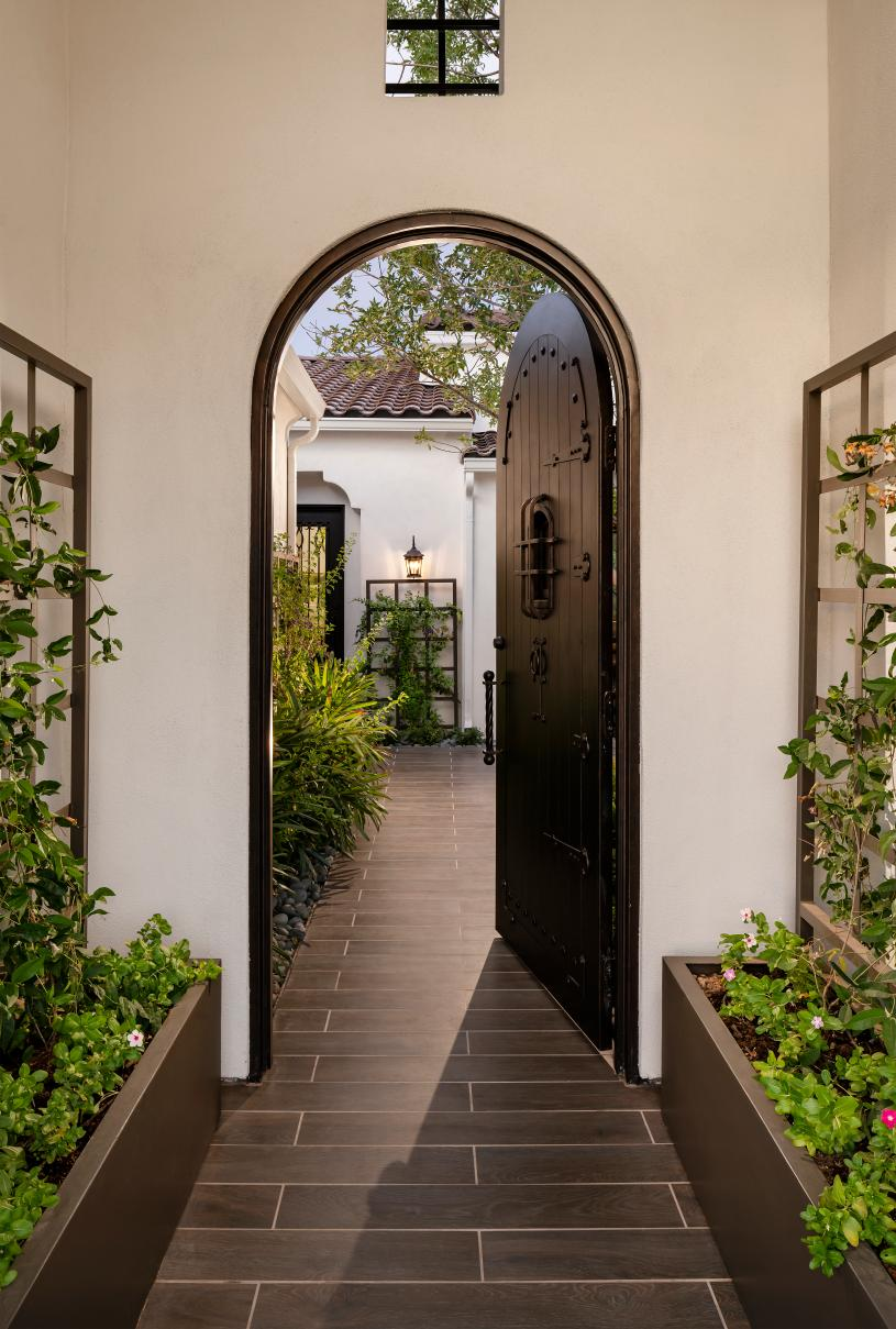 Hasting front entry