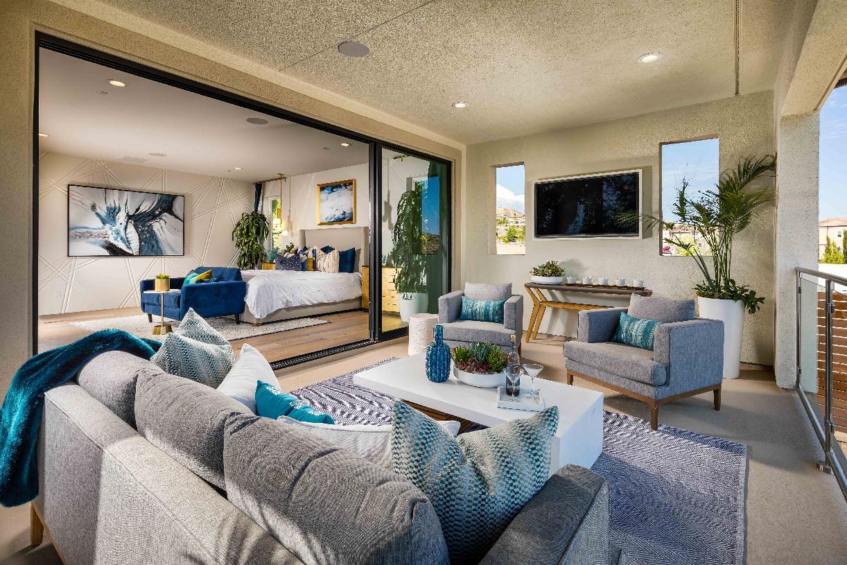 Primary bedroom suite deck