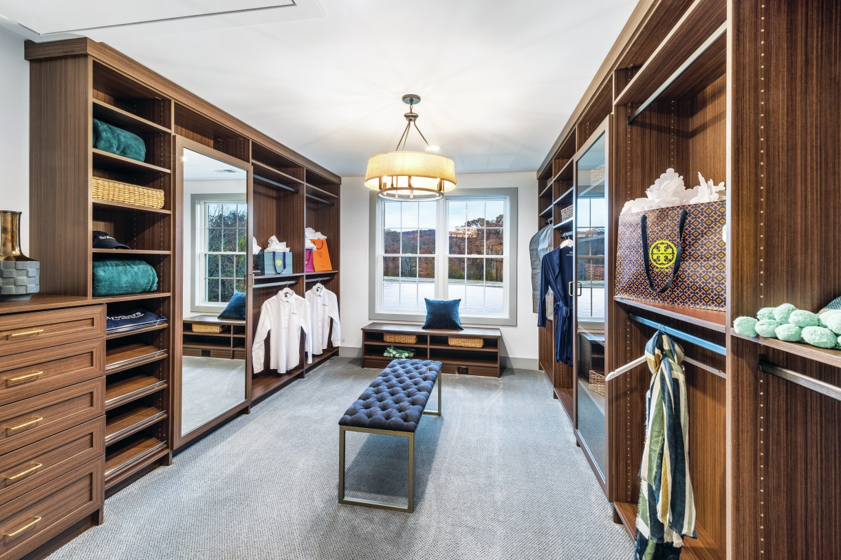 Closet designs offer ultimate luxury options