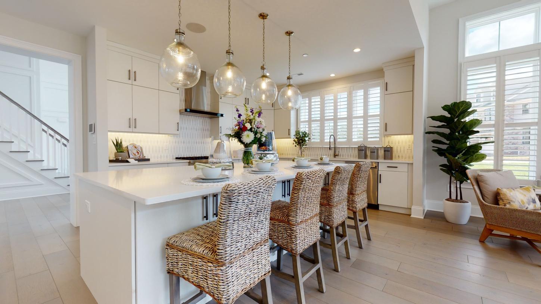 Striking kitchen designs with large center island