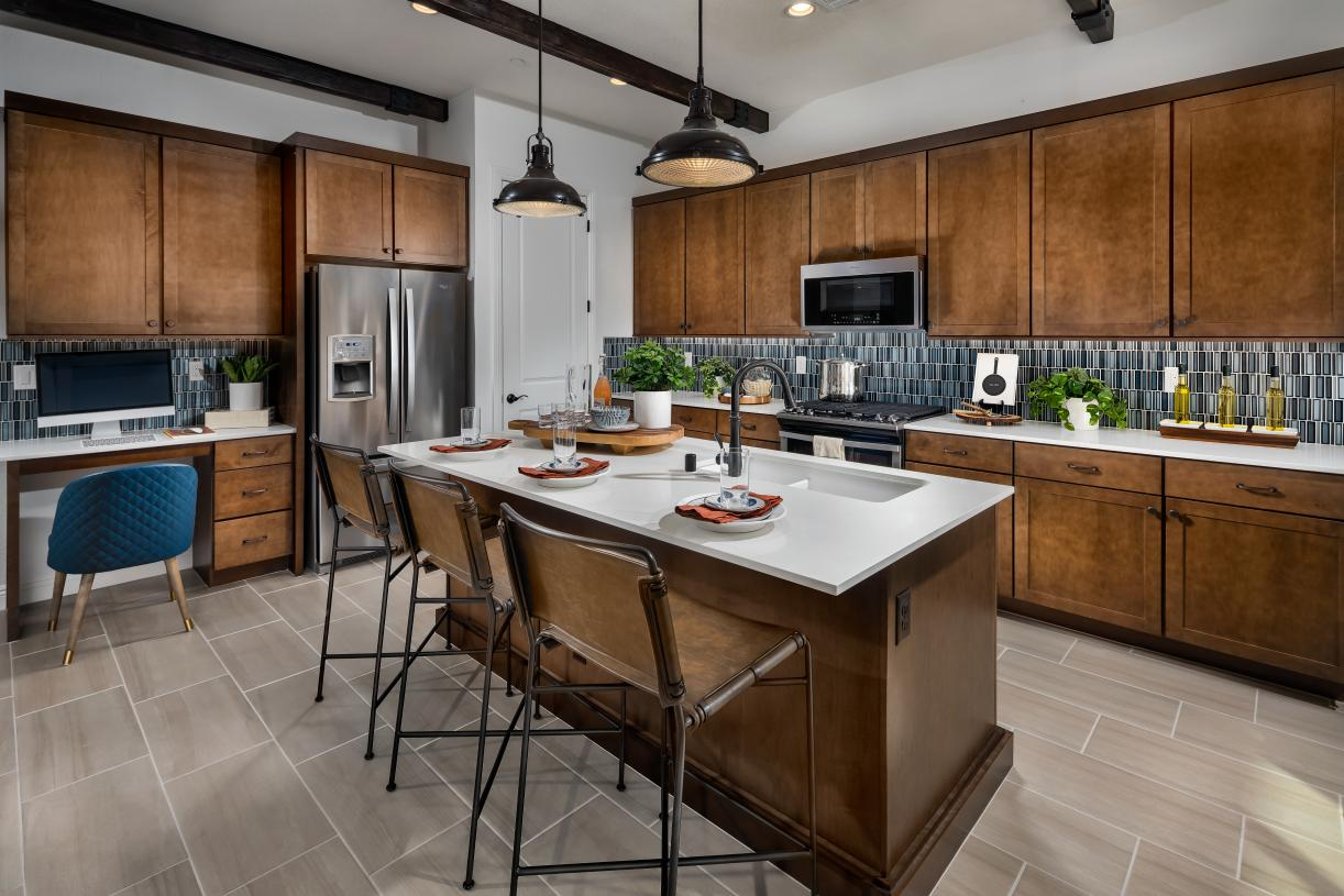 Well-designed kitchen with breakfast bar